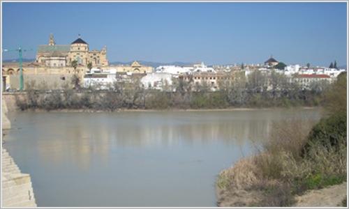 Córdoba y el omnipresente Guadalquivir.