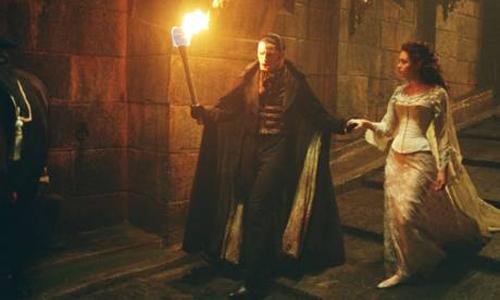 Escena de la película El Fantasma de la Ópera estrenada en el 2004