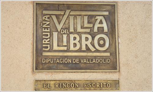 Placa identificativa de la librería El rincón escrito.